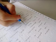 Texto Braille manuscrito